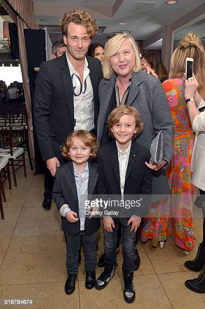 Model Brad Kroenig Editorinchief of The Daily Brandusa Niro Jameson Kroenig and Hudson Kroenig attend The Daily Front Row Fashion Los Angeles Awards...