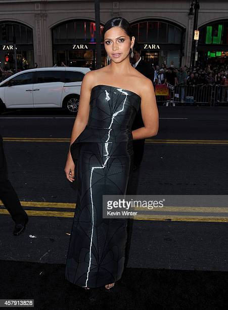 Model Camila Alves McConaughey attends the premiere of Paramount Pictures' Interstellar at TCL Chinese Theatre IMAX on October 26 2014 in Hollywood...