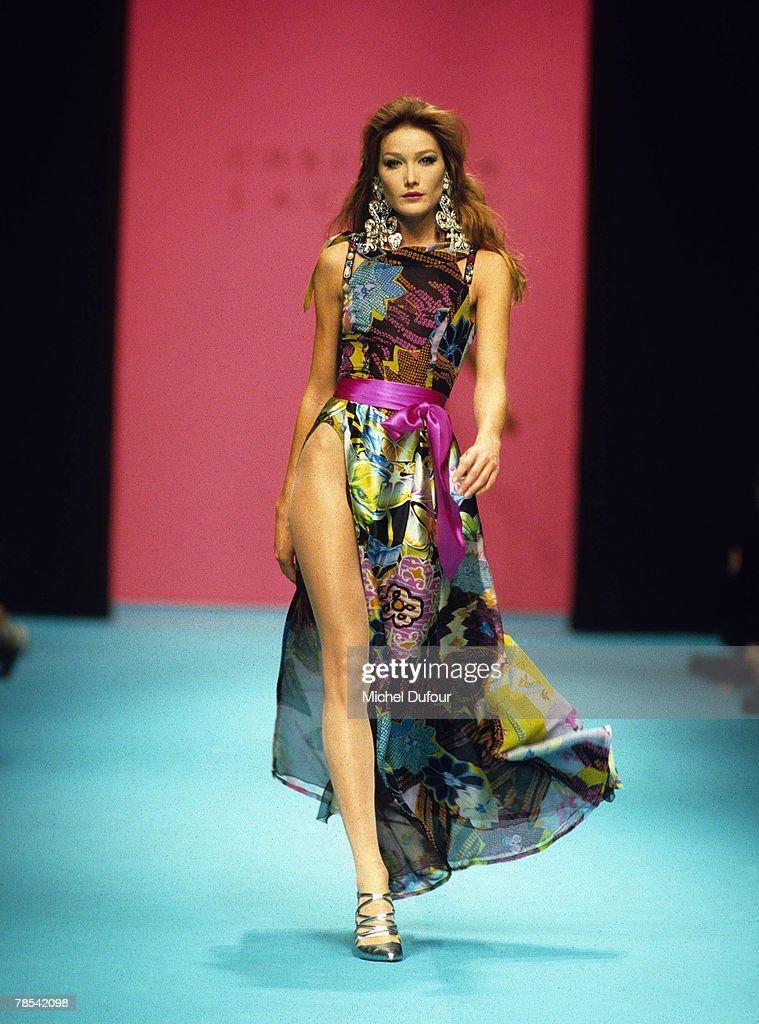 Paris Model Carla Bruni Walks The Catwalk At A Christian Lacroix News Photo Getty Images