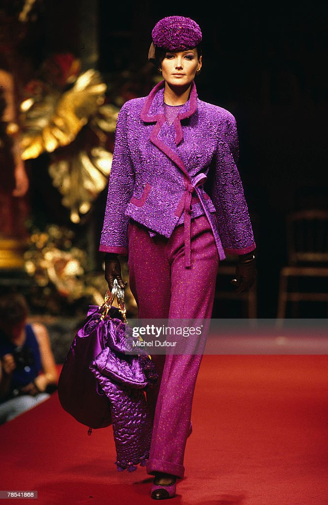 Paris Model Carla Bruni Walks The Catwalk At A Dior High Fashion News Photo Getty Images