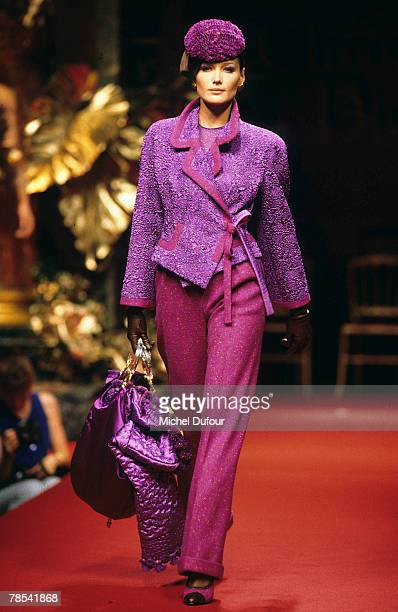 PARIS Model Carla Bruni walks the catwalk at a Dior High Fashion show in Paris France According to reports December 18 2007 French President Nicolas...
