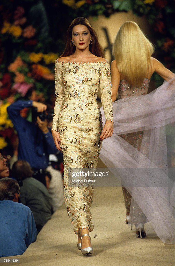 Paris Model Carla Bruni Walks The Catwalk At A Ysl Fashion Show In News Photo Getty Images