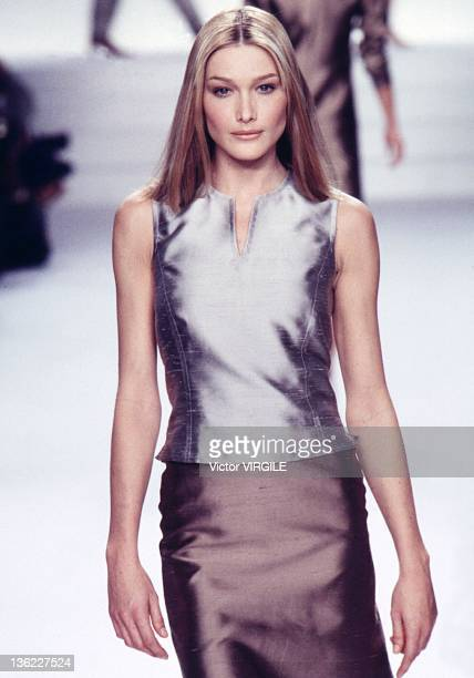 Model Carla Bruni walks the runway during the Ralph Lauren Ready to Wear Spring/Summer 1996 show as part of the New York Fashion Week on November 10,...