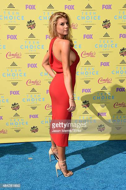 Model Charlotte McKinney attends the Teen Choice Awards 2015 at the USC Galen Center on August 16 2015 in Los Angeles California