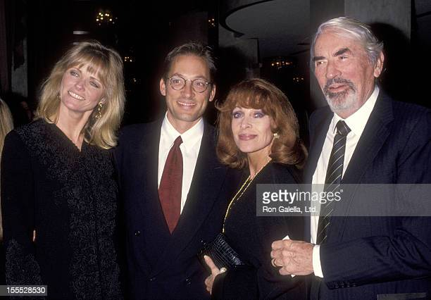 Model Cheryl Tiegs Tony Peck actor Gregory Peck and wife Veronique Peck attend the People for the American Way Gala Honoring Stanley Sheinbaum on...