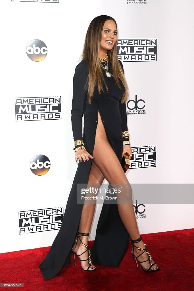Model Chrissy Teigen attends the 2016 American Music Awards at Microsoft Theater on November 20, 2016 in Los Angeles, California.