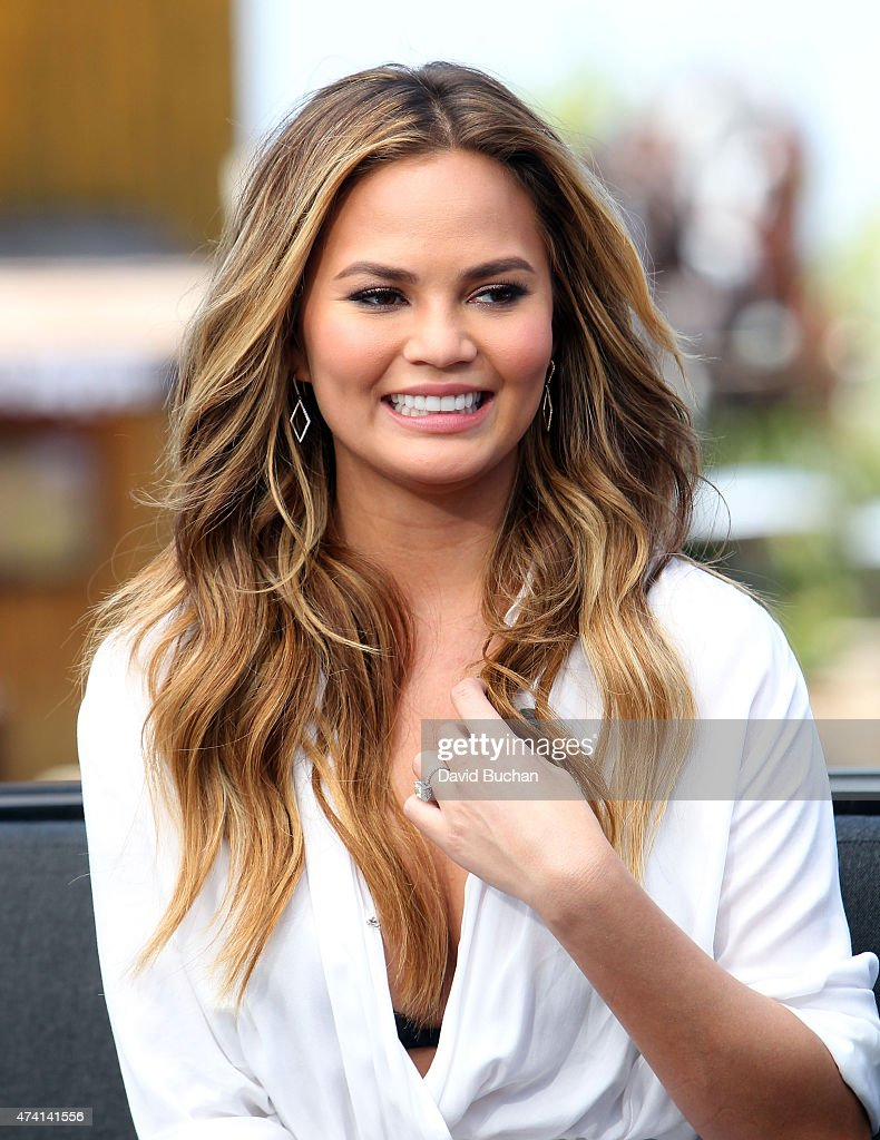 Model Chrissy Teigen visits 'Extra' at Universal Studios Hollywood on May 20, 2015 in Universal City, California.