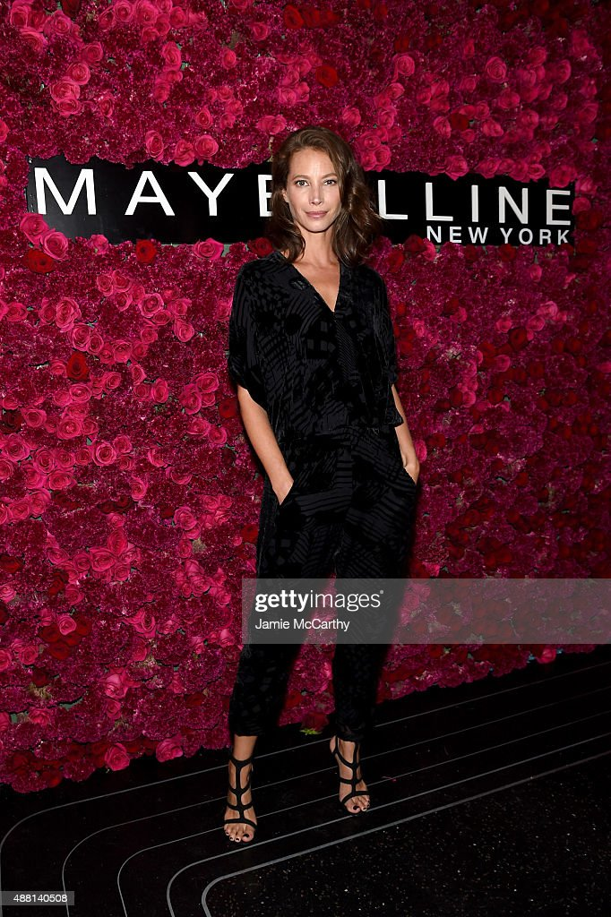 Model Christy Turlington attends Maybelline New York Celebrates New York Fashion Week at Sixty Five on September 13, 2015 in New York City.