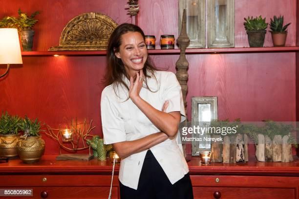 Model Christy Turlington Burns attends a special dinner at Borchardt Restaurant on September 21 2017 in Berlin Germany