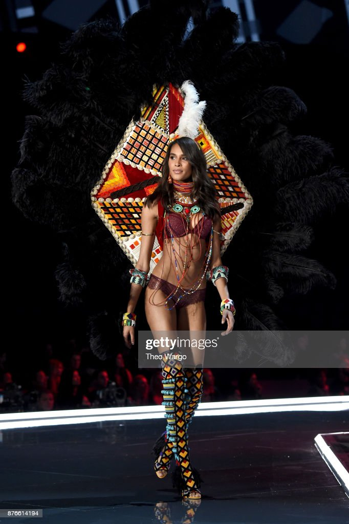 Model Cindy Bruna walks the runway during the 2017 Victoria's Secret Fashion Show In Shanghai at Mercedes-Benz Arena on November 20, 2017 in Shanghai, China.