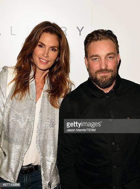 Model Cindy Crawford and photographer Brian Bowen Smith attend the Brian Bowen Smith WILDLIFE show hosted by Casamigos Tequila at De Re Gallery on...