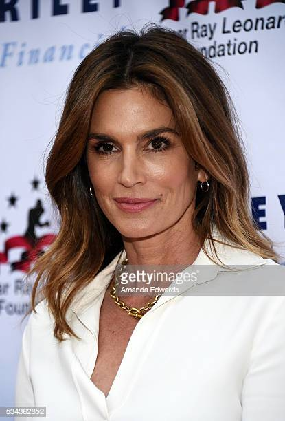 Model Cindy Crawford arrives at the 7th Annual Big Fighters Big Cause Charity Boxing Night Benefiting The Sugar Ray Leonard Foundation at The Ray...