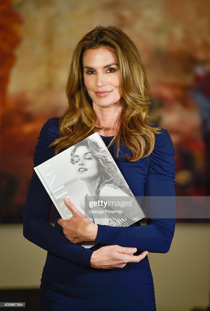 Saks Fifth Avenue Hosts A Private Cocktail With Cindy Crawford And Fern Mallis In Toronto