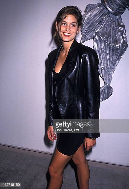 Model Cindy Crawford attends the 'Art Pro Choice' Cocktail Party and Auction to Benefit the National Abortion League on March 13 1990 at the Brandt...