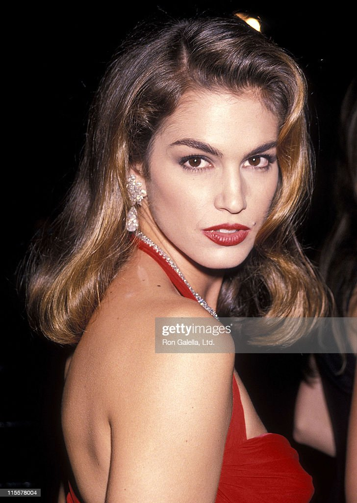 UNS: In Focus: Cindy Crawford Turns 50