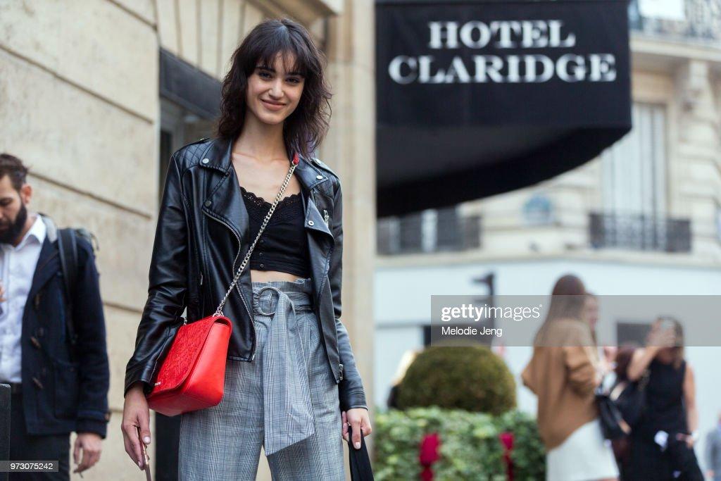 cc02905d8e6 Street Style   Paris Fashion Week Womenswear Spring Summer 2018   Day Two    News