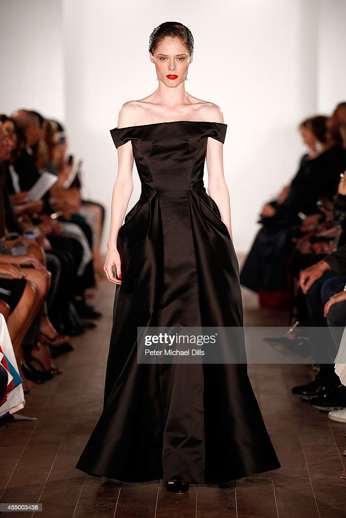 Zac Posen - Runway - Mercedes-Benz Fashion Week Spring 2015 : News Photo