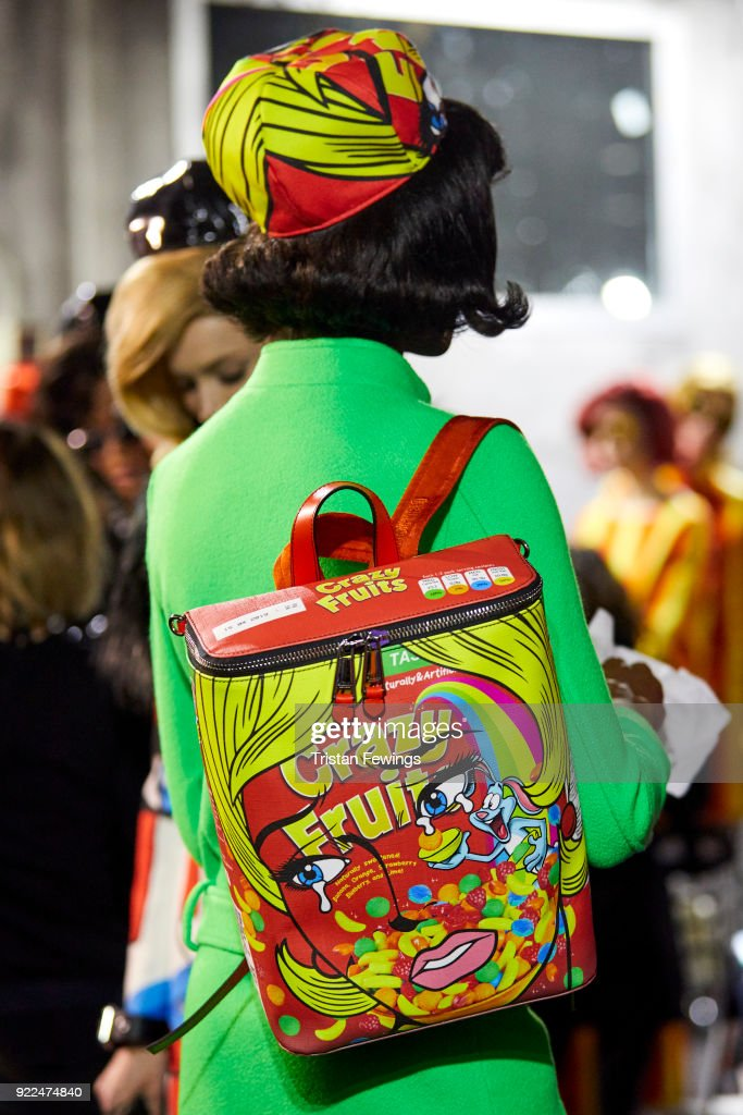 Moschino - Backstage -  Milan Fashion Week Fall/Winter 2018/19 : News Photo