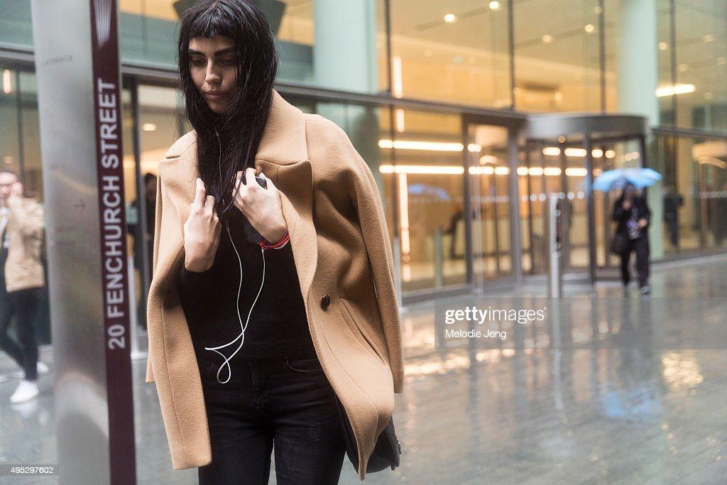 Street Style: Day 4 - LFW SS16 : News Photo