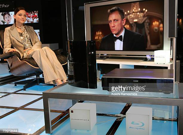 A model display the Sony Corp's new products Bluray Disc systems during the CEATEC Japan 2006 exhibition at Makuhari Messeon on October 3 2006 in...