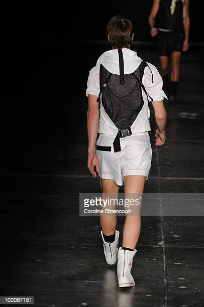 A model displays a design by VRom during the sixth day of the Sao Paulo Fashion Week Summer 2011 at Bienal pavilion on June 14 2010 in Sao Paulo...