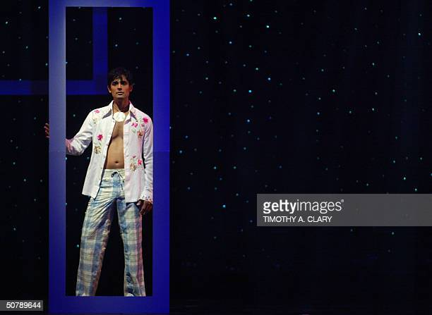 A model displays a outfit from the collection of designer Manish Malhotra during the 2004 Bollywood Fashion Awards at the Trump Taj Mahal 30 April...