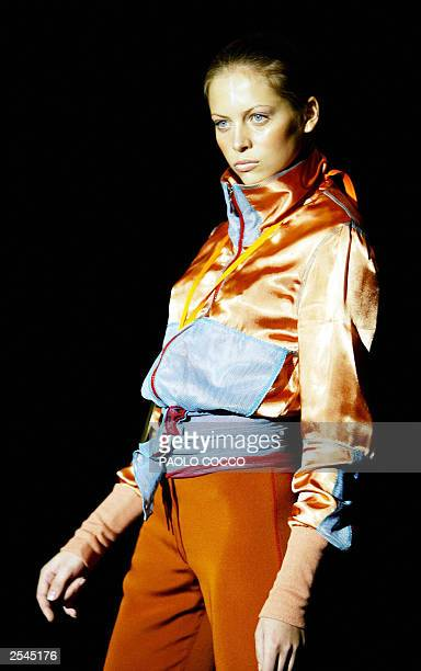 A model displays an outfit by Colombian designer Silvia Tcherassi show during the Milan 2004 Spring/Summer fashion week 29 September 2003 The Milan...