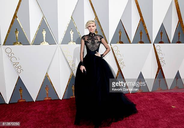 Model Dorith Mous attends the 88th Annual Academy Awards at Hollywood Highland Center on February 28 2016 in Hollywood California