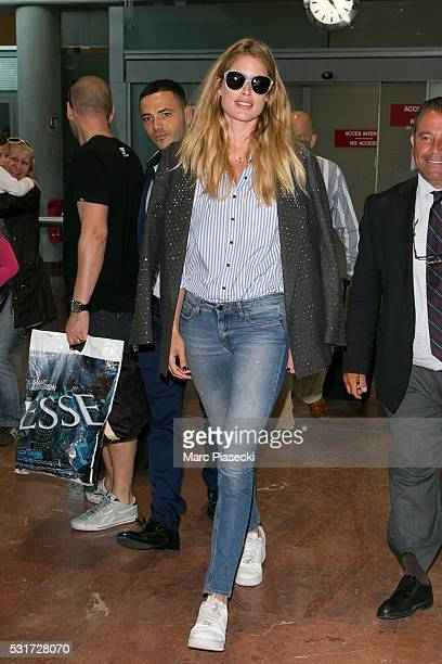 Model Doutzen Kroes arrives at Nice airport during the annual 69th Cannes Film Festival on May 16 2016 in Nice France