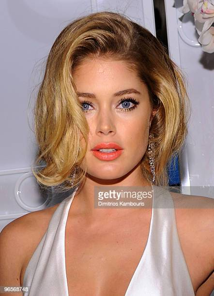 Model Doutzen Kroes attends the amfAR New York Gala To Kick Off Fall 2010 Fashion Week at Cipriani 42nd Street on February 10, 2010 in New York, New...