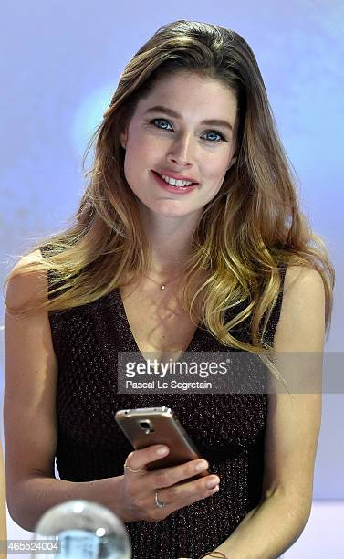 Model Doutzen Kroes the face of Samsung Netherlands attends the Paris Fashion Week Tasting Night with Galaxy featuring Brad Goreski model Jessica...