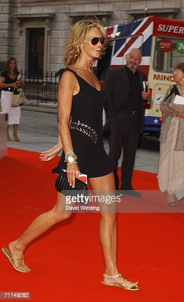 Model Elle Macpherson arrives at the 2006 Summer Exhibition Preview Party at the Royal Academy in Piccadilly on June 7, 2006 in London, England.