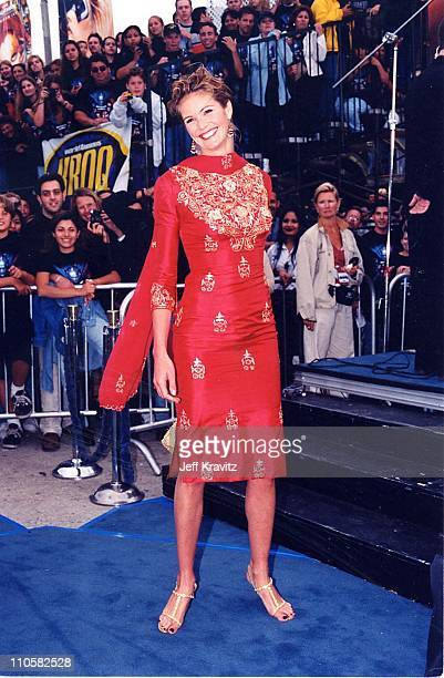 Model Elle Macpherson at the 'Batman Robin' premiere Los Angeles 12th June 1997