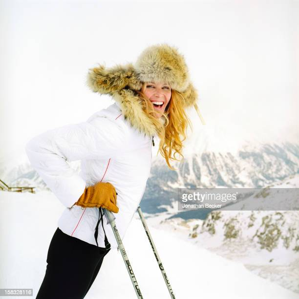 Model Elle Macpherson is photographed for Vanity Fair Magazine on February 16 2005 in St Moritz Switzerland PUBLISHED IN JONATHAN BECKER 30 YEARS AT...