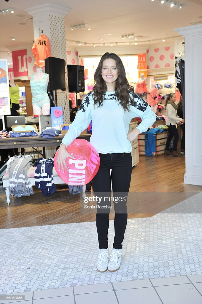 30a4a5b61c0 PINK Model Emily DiDonato Launches Victoria s Secret PINK Limited Release Varsity  Crew at The PINK Nation