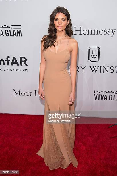 Model Emily Ratajkowski attends the 2016 amfAR New York Gala at Cipriani Wall Street on February 10 2016 in New York City