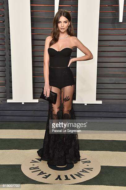 Model Emily Ratajkowski attends the 2016 Vanity Fair Oscar Party Hosted By Graydon Carter at the Wallis Annenberg Center for the Performing Arts on...