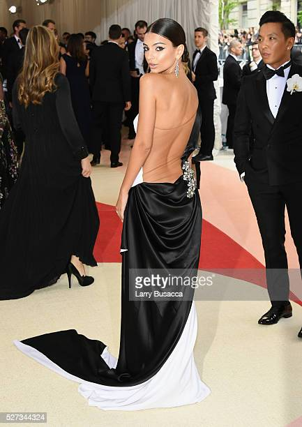 Model Emily Ratajkowski attends the 'Manus x Machina Fashion In An Age Of Technology' Costume Institute Gala at Metropolitan Museum of Art on May 2...