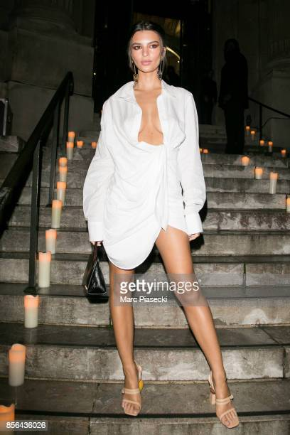 Model Emily Ratajkowski attends Vogue Party as part of the Paris Fashion Week Womenswear Spring/Summer 2018 at on October 1, 2017 in Paris, France.