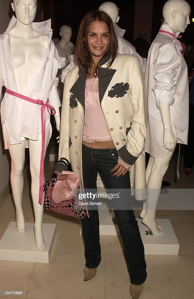 Model Emma Bailey, Lipstick On Your Collar, Thomas Pink's Shirt Auction In Aid Of The Haven Trust,auctioned Kisses From Famous Girls On Collars Of The White Shirts