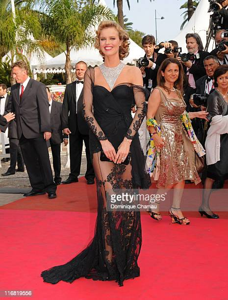 Model Eva Herzigova attends the 'Che' premiere at the Palais des Festivals during the 61st International Cannes Film Festival on May 21 2008 in...