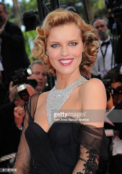 Model Eva Herzigova attends the Che premiere at the Palais des Festivals during the 61st International Cannes Film Festival on May 21 2008 in Cannes...