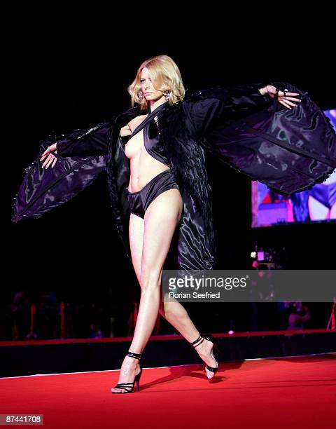 Model Eva Padberg attends the 'Life Ball 2009 at the city hall on May 16 2009 in Vienna Austria