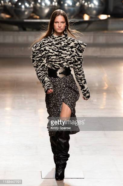 Model Faretta walks the runway during the Isabel Marant show as part of Paris Fashion Week Womenswear Fall/Winter 2019/2020 on February 28 2019 in...