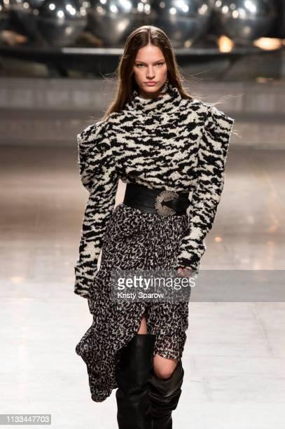 Model Faretta walks the runway during the Isabel Marant show as part of Paris Fashion Week Womenswear Fall/Winter 2019/2020 on February 28, 2019 in...
