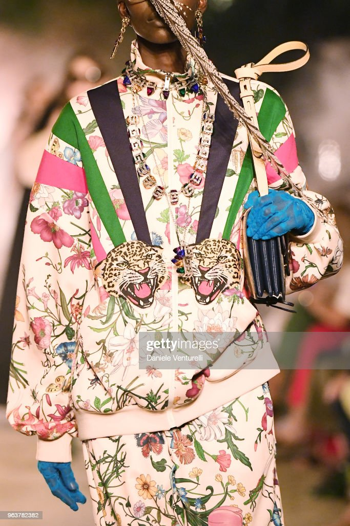 Gucci Cruise 2019 - Fashion Show : News Photo