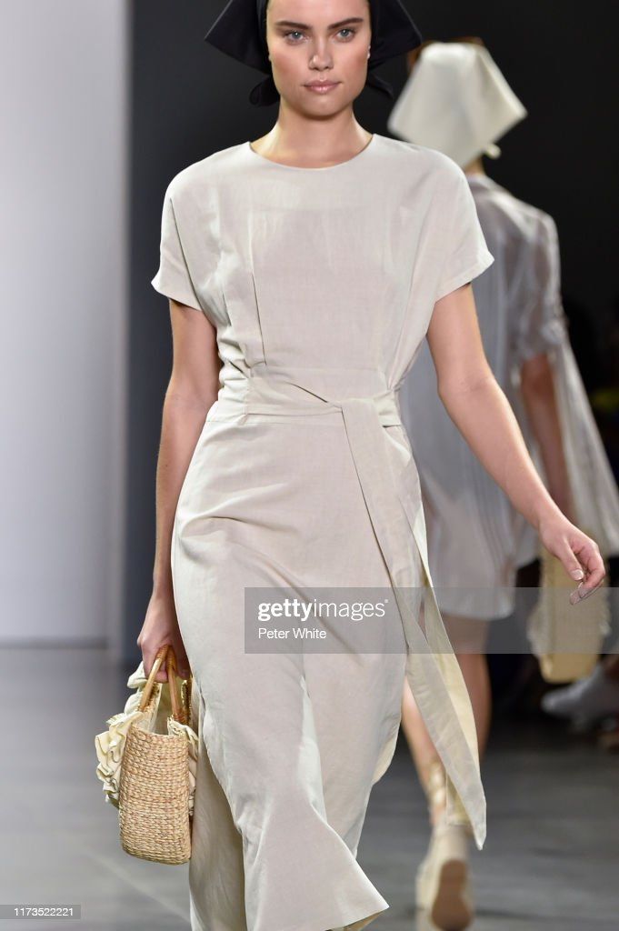 Chocheng - September 2019 - New York Fashion Week : News Photo