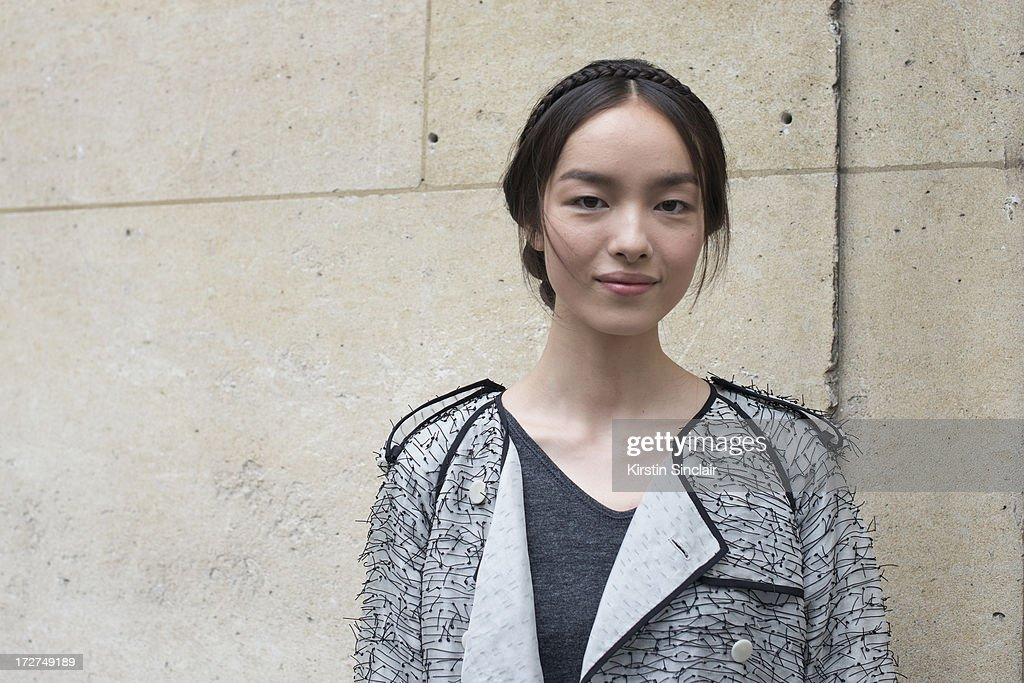 Street Style Day 3 - Paris Fashion Week Haute Couture F/W 2013-2014 : News Photo