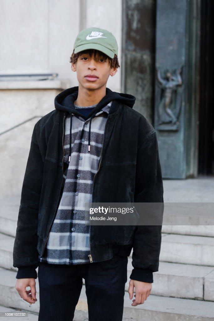Street Style   Paris Fashion Week - Menswear Fall Winter 2017 2018   Day c972f3996bc