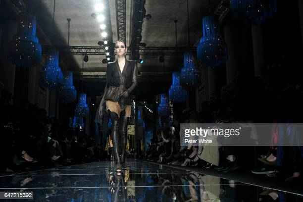 A model general view walks the runway during the Balmain show as part of the Paris Fashion Week Womenswear Fall/Winter 2017/2018 on March 2 2017 in...